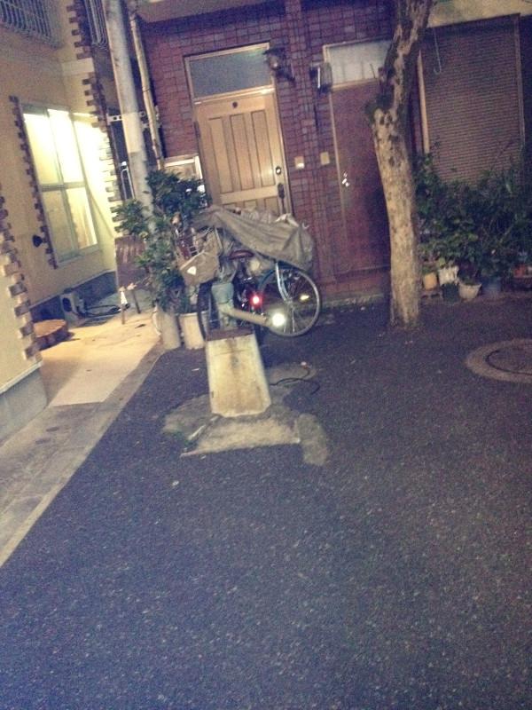 ルック商店街の脇道の井戸