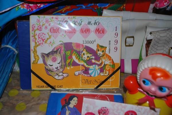 ファンタスチカさんが出店していたベトナムの切手をモチーフにしたかざり