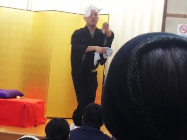 三遊亭金八さんによる夕立という踊り