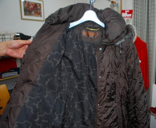 リンキングさんにあるピエール・バルマンのコート
